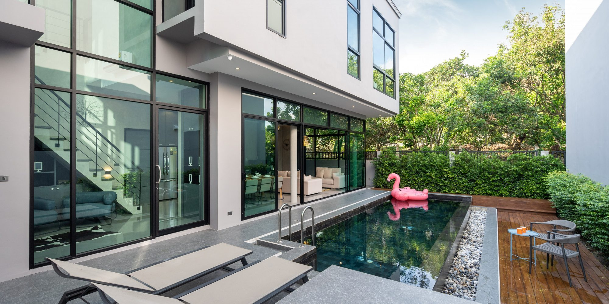pool-terrace-pink-floating-duck-infinity-swimming-pool